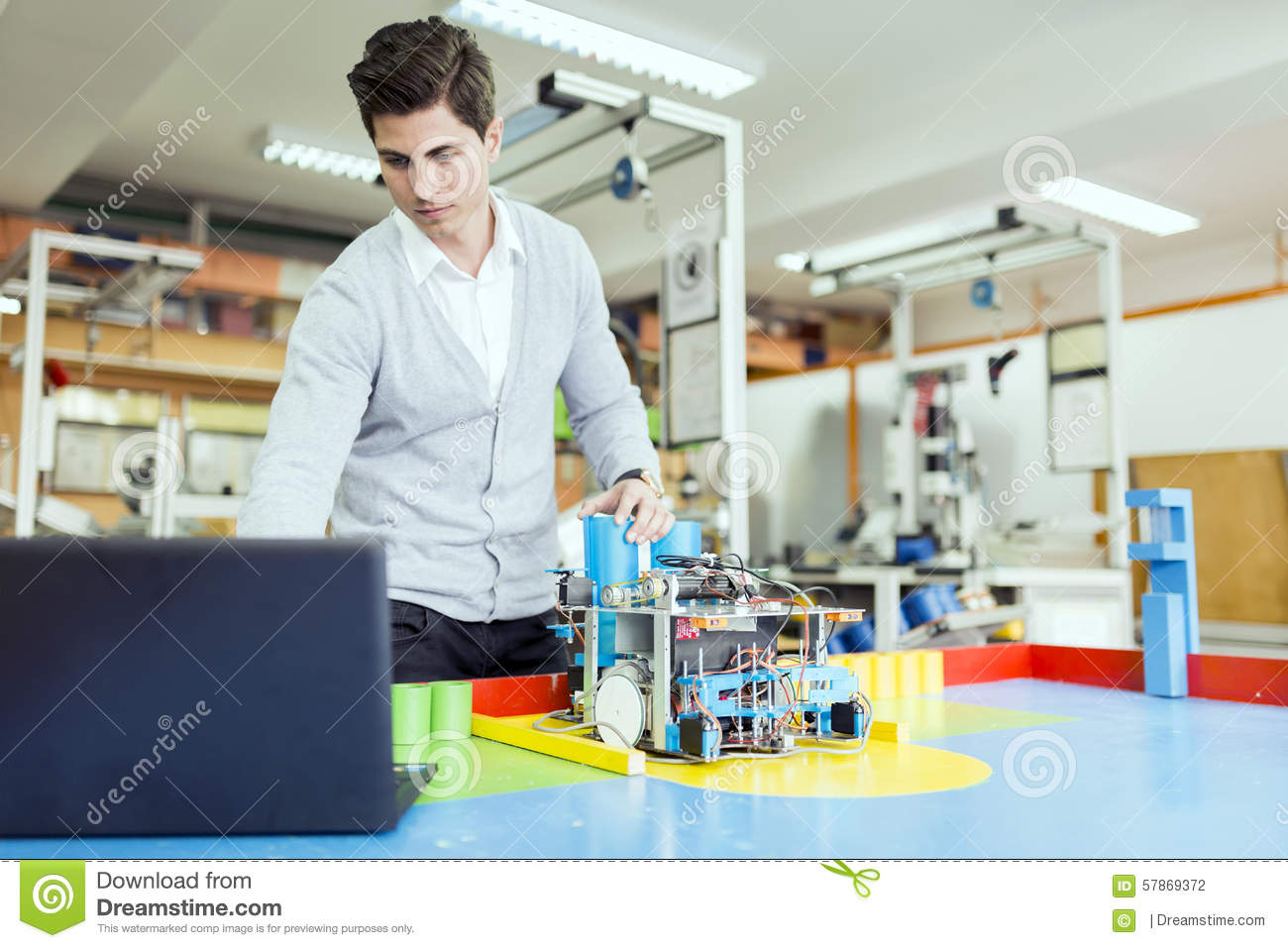 electrical engineer Average electrical engineer yearly salary in the united states electrical engineers earn an average yearly salary of $89,898salaries typically start from $48,991 and go up to $139,279.