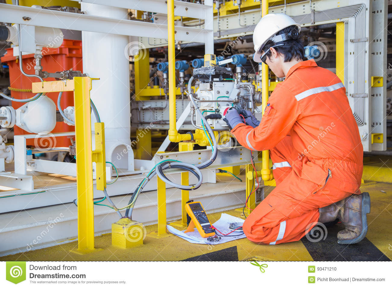 Electrical And Instrument Technician Maintenance Electric System At ...