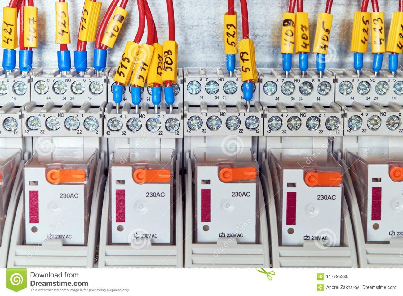 The electrical wires or cables are connected to an intermediate relay according to the scheme.