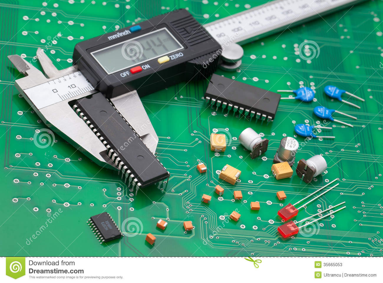 Electronic caliper measure IC and electronic part on green pcb