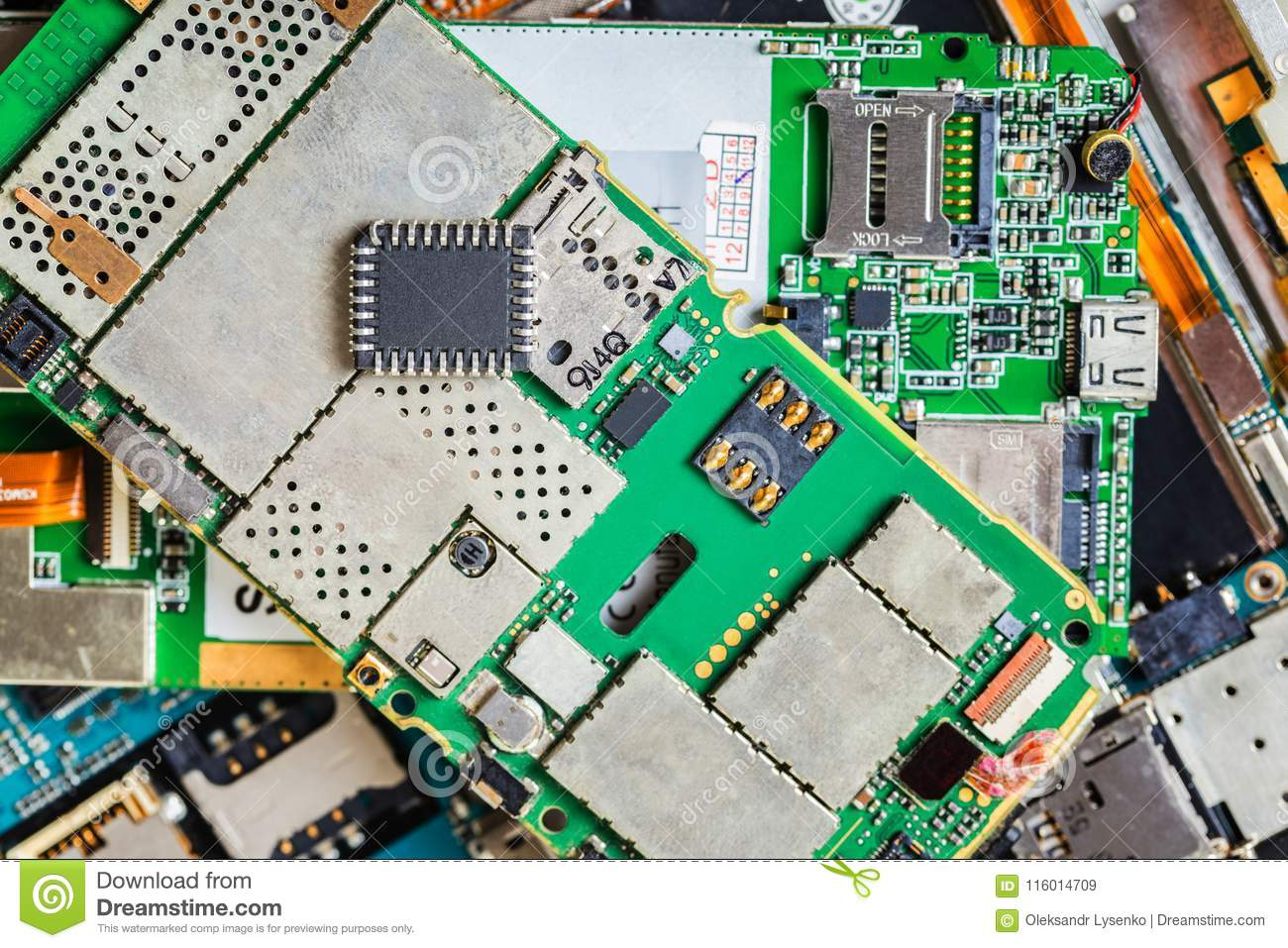 Electronic chip on a disassembled mobile phone