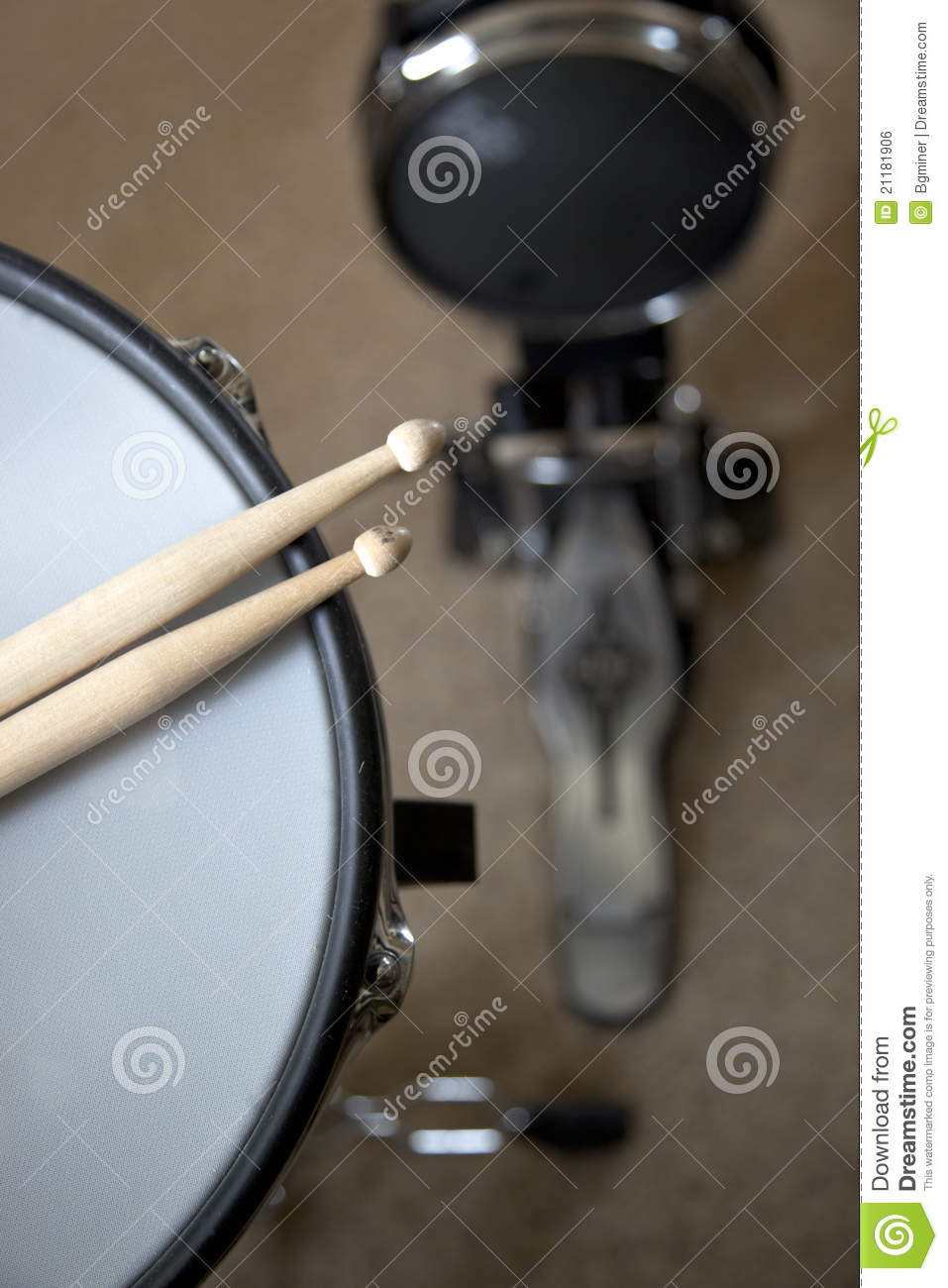 Electronic drums with sticks
