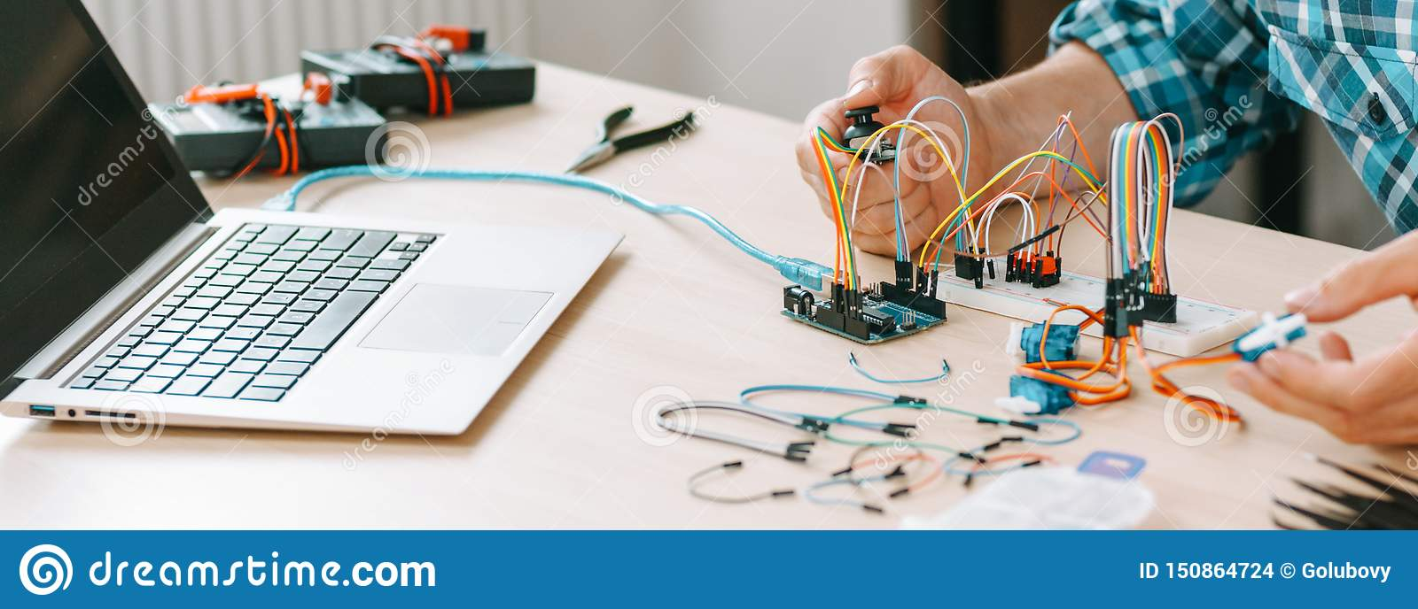 Electronic Engineering Experiment Technician Test Stock Photo - Image of leisure, computer
