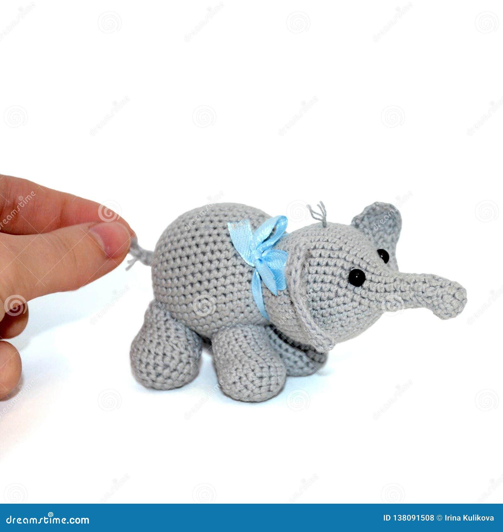 Elefante em amigurumi no Elo7 | LU E ARTE ATELIÊ (D1F376) | 1689x1600
