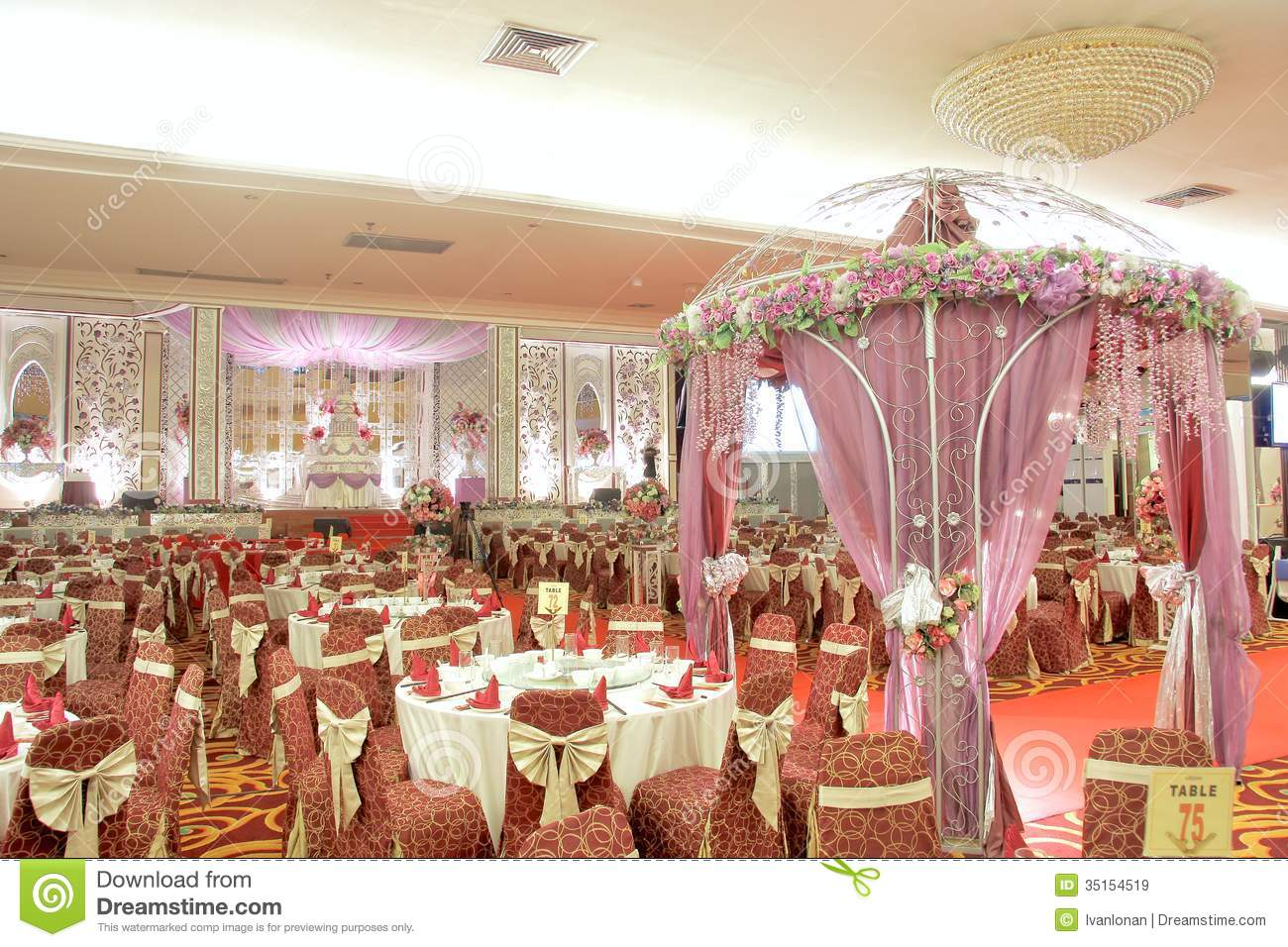 Elegance wedding decoration royalty free stock images for Anniversary decoration images