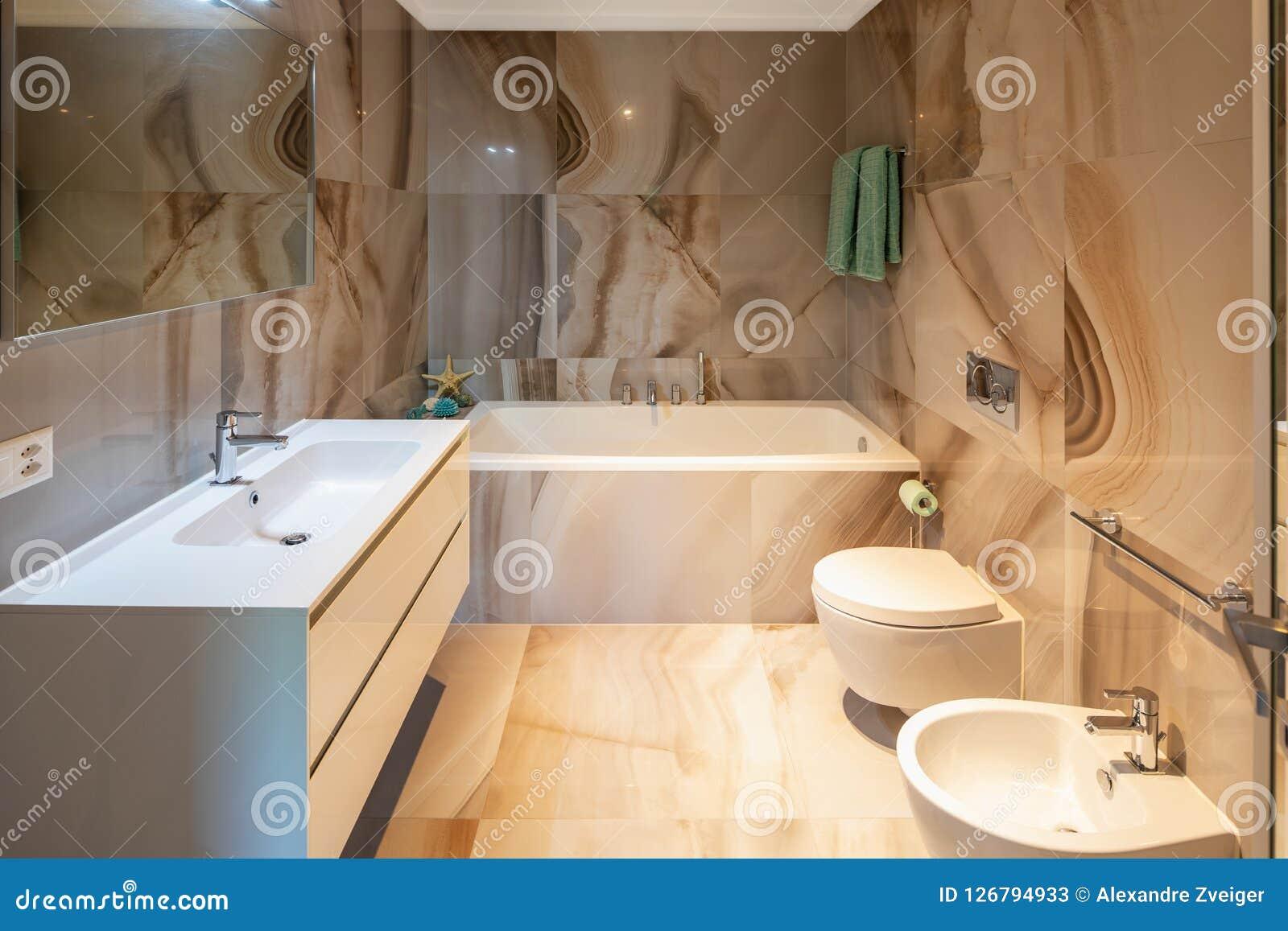 Elegancka łazienka W Cennym Marmurze Obraz Stock Obraz