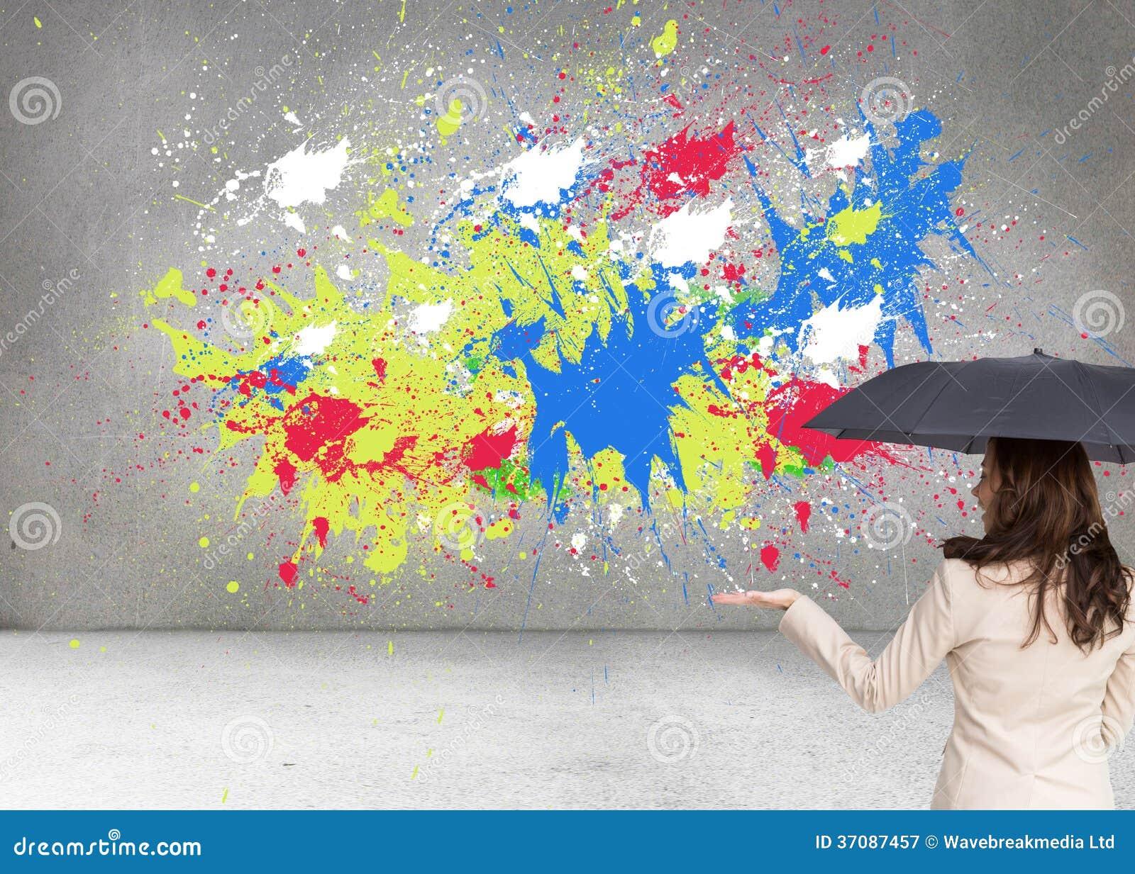 Download Elegancki Bizneswoman Trzyma Czarnego Parasol Obraz Stock - Obraz złożonej z chłodno, grafika: 37087457