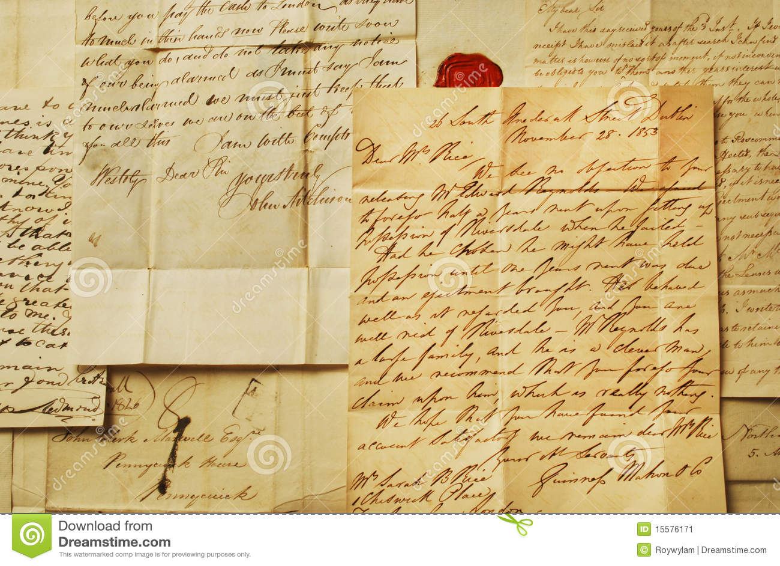Elegancki handwriting pisze list starego