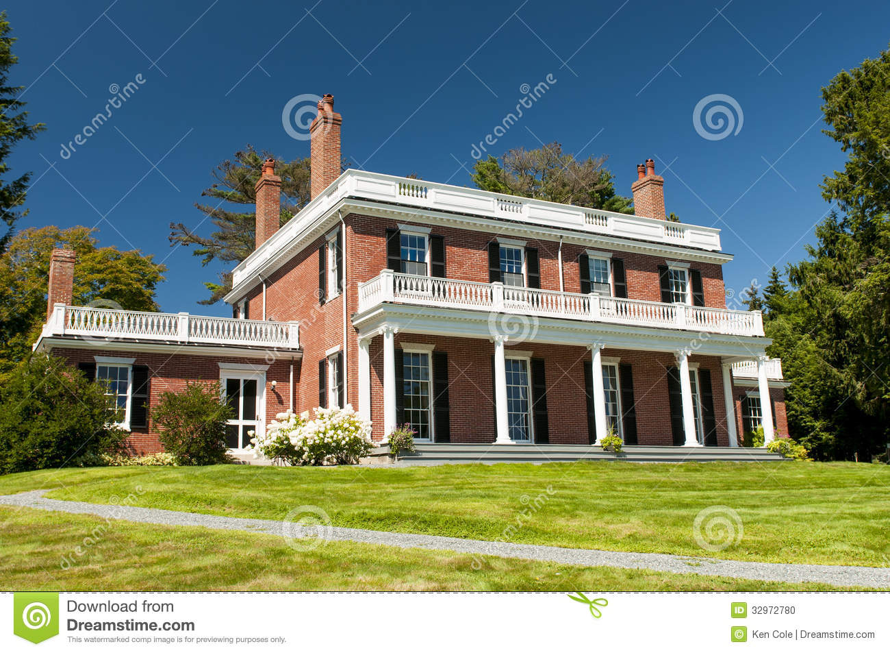 Elegant brick mansion stock photo image 32972780 for Cost to build a house in maine