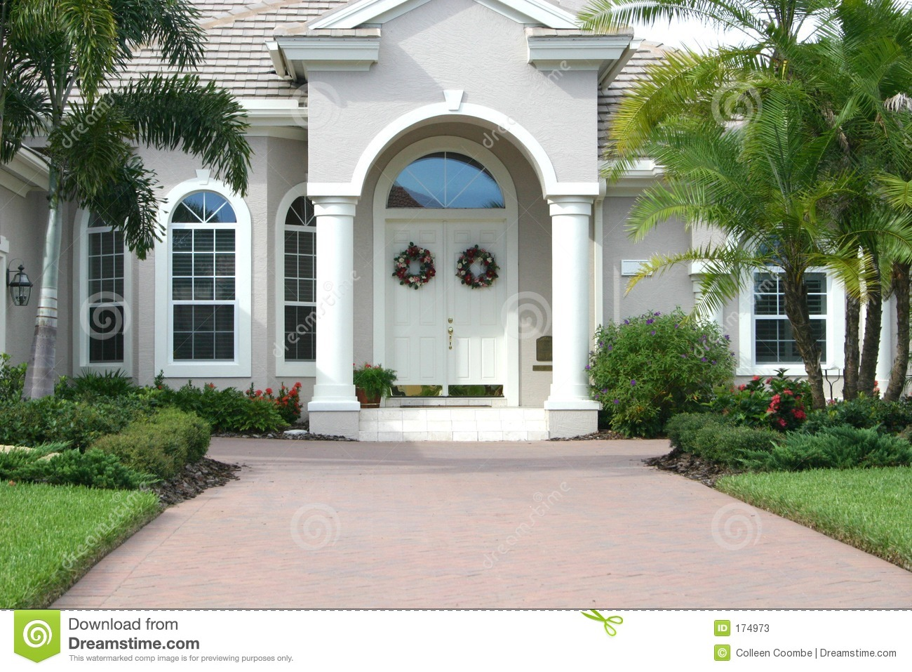 Elegant entrance to beautiful home stock image image 174973 for Architecture maison design