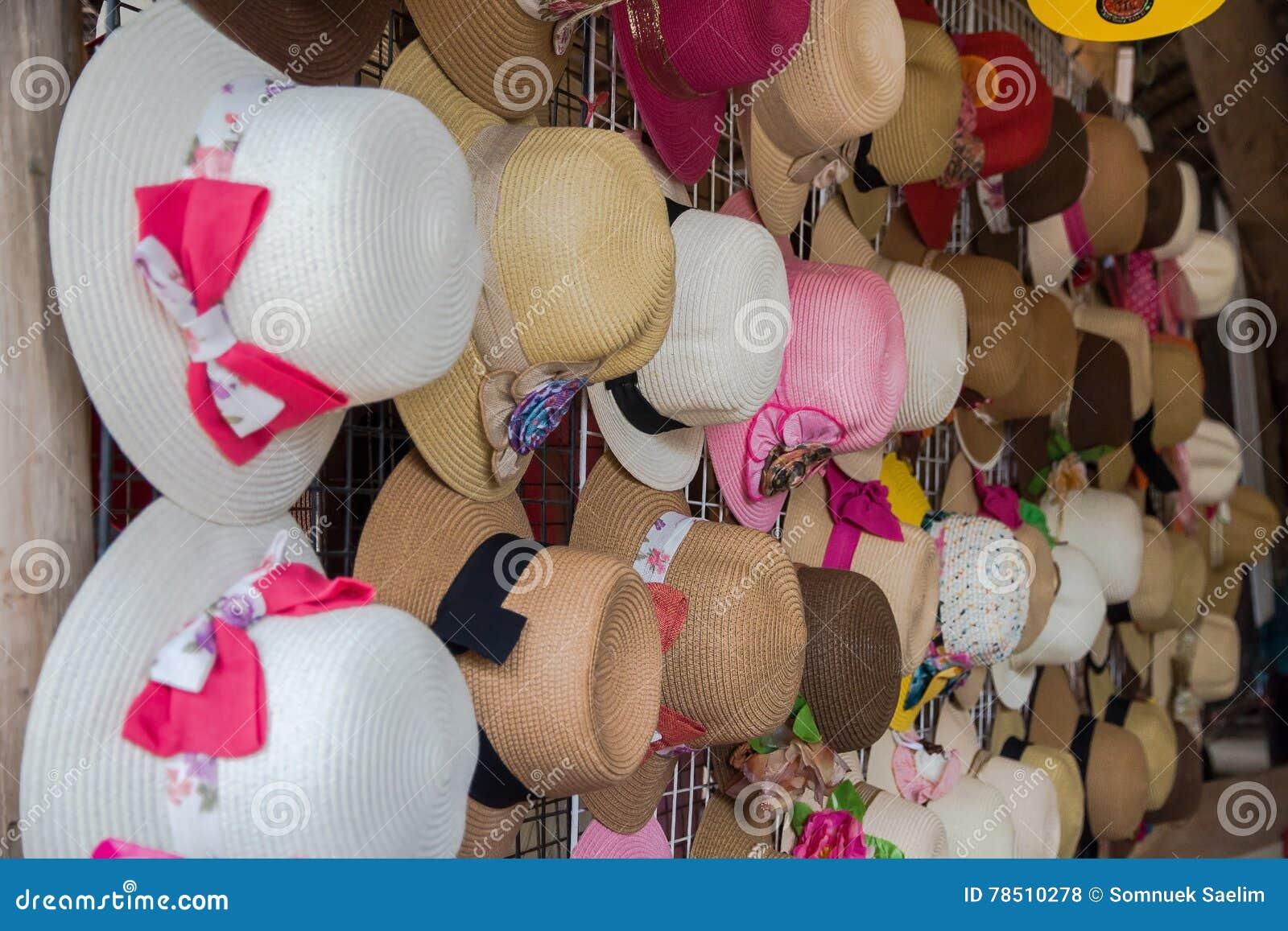 Elegant färgrik samling för kvinnasugrörhattar