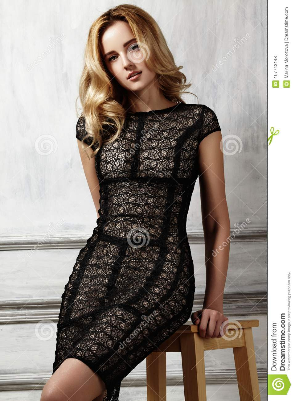 https://thumbs.dreamstime.com/z/elegant-fashionable-woman-black-dress-evening-style-beautiful-volume-curly-hairstyle-shiny-hair-perfect-sexy-body-elegant-107743148.jpg