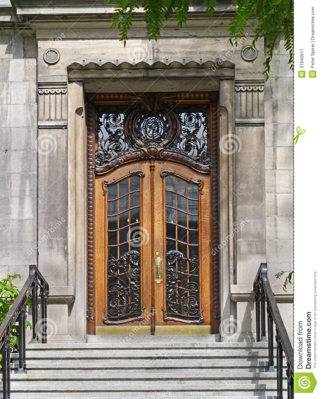 1300 #966335 Elegant Front Door Of An Old Apartment Building Or Hotel. picture/photo Commercial Building Entry Doors 45391045