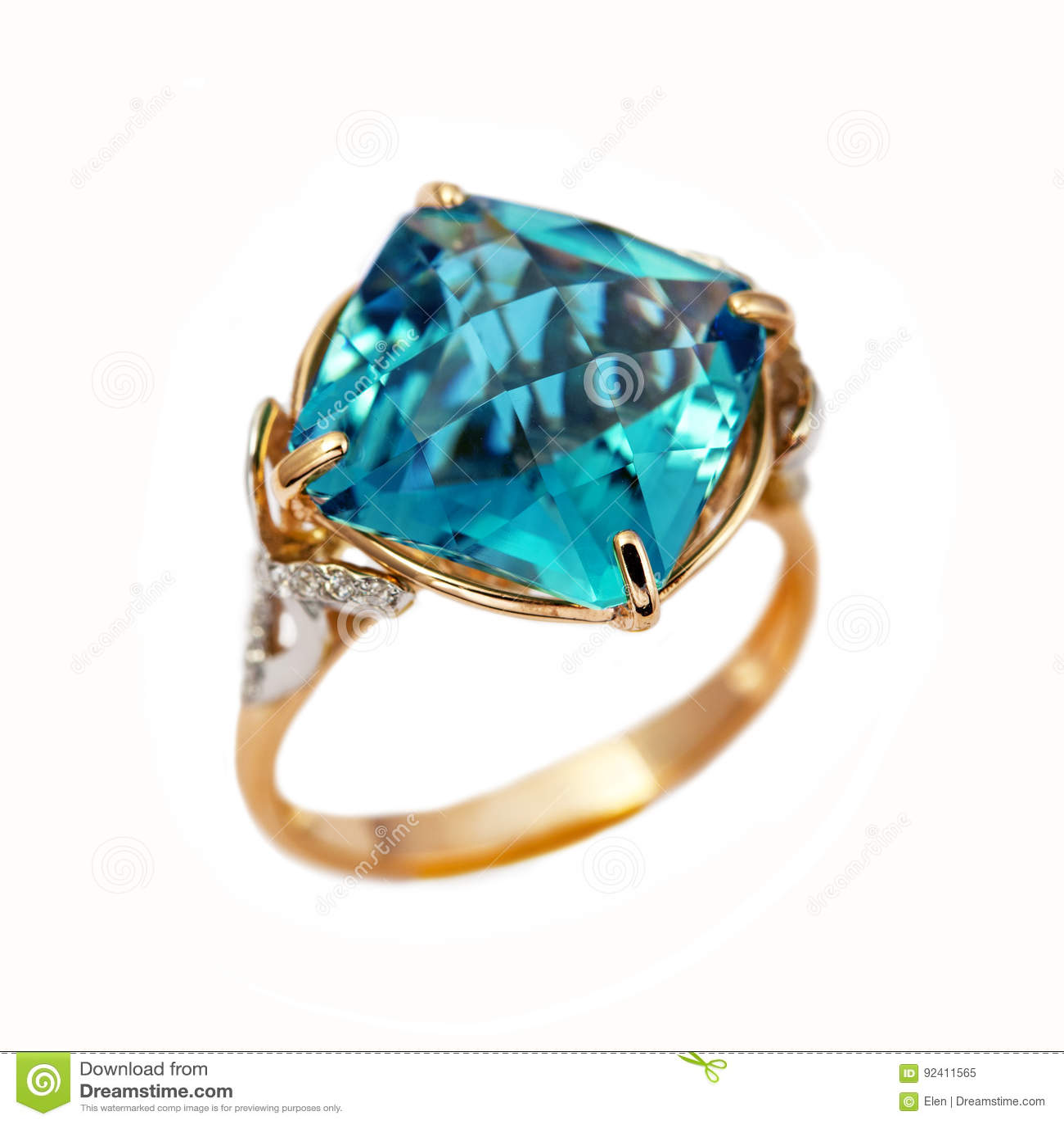 Elegant gold jewelry ring