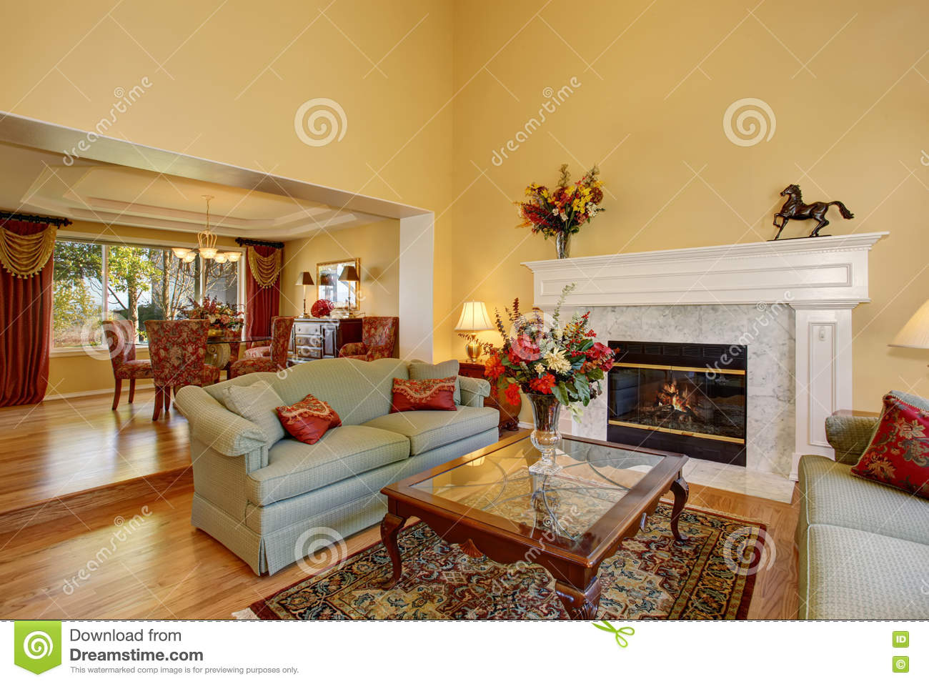 Green Elegant Living Room With Fireplace Royalty Free Stock Photography