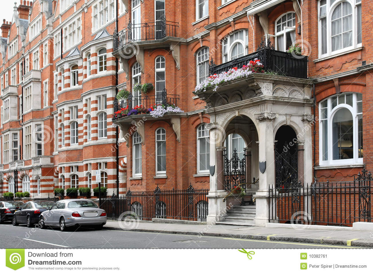 Elegant london townhouses stock image image of townhouse for Victorian townhouse plans