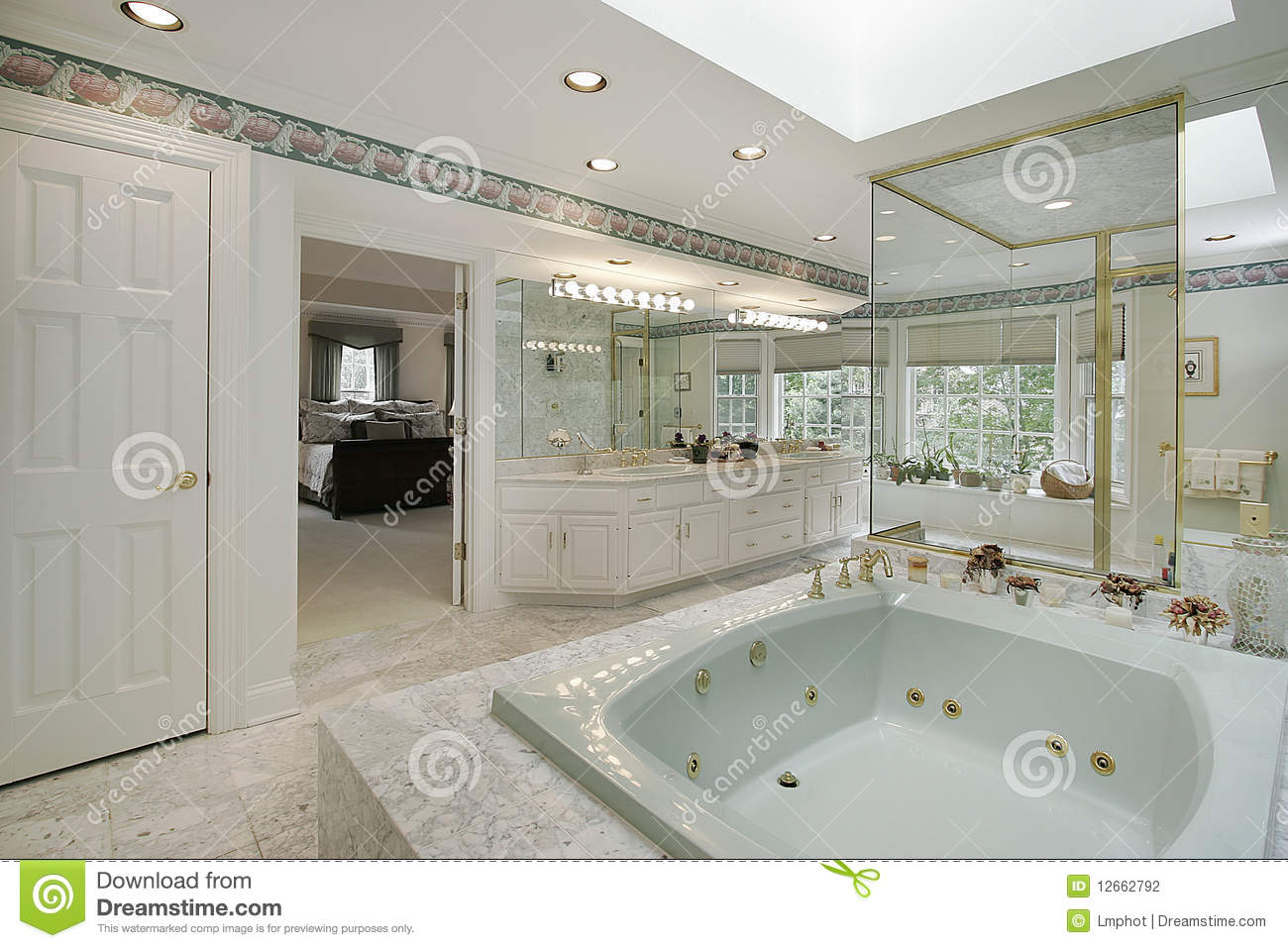 Elegant Master Bath Stock Photography Image 12662792