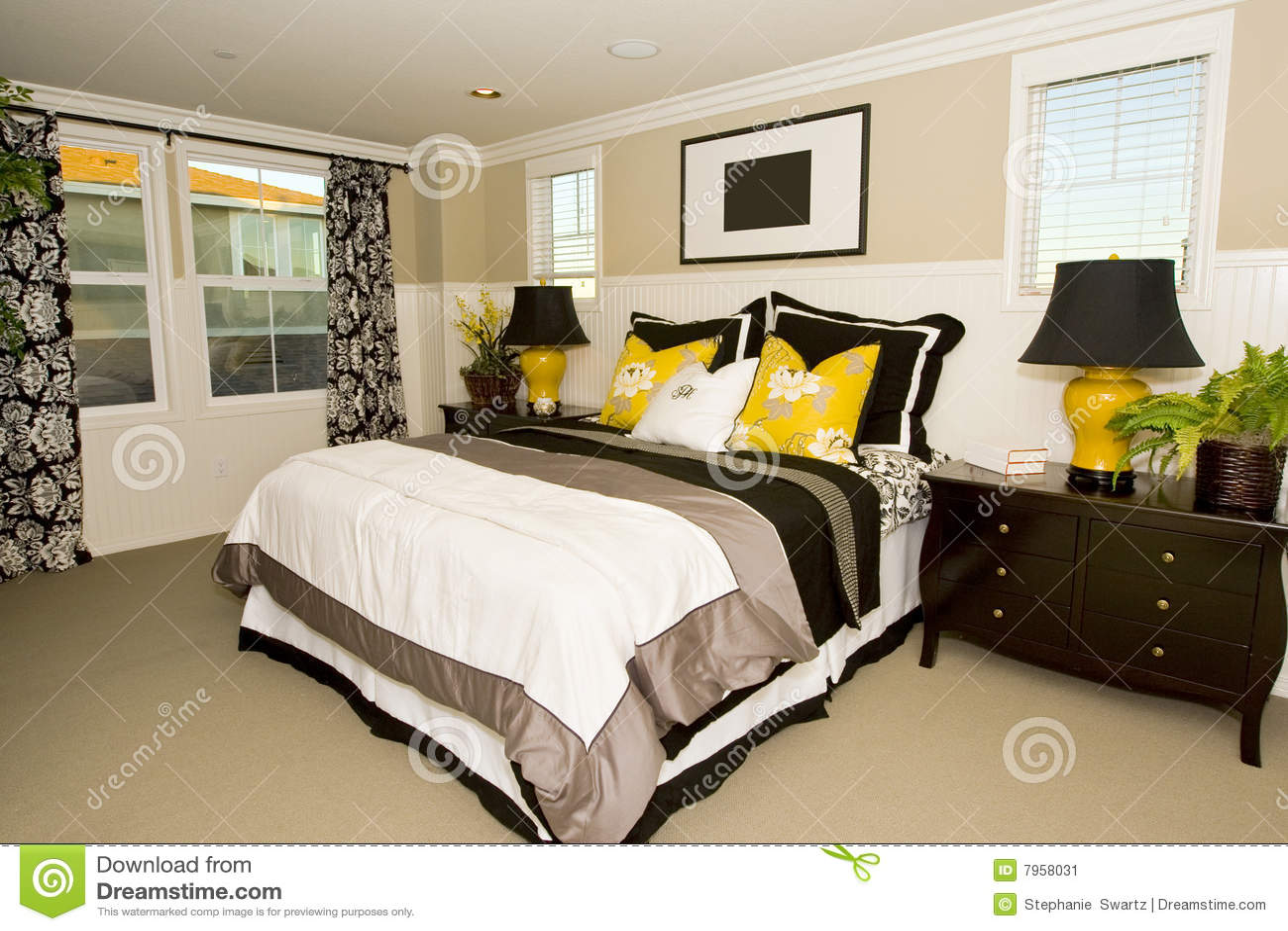 Elegant Master Bedroom Stock Image - Image: 7958031