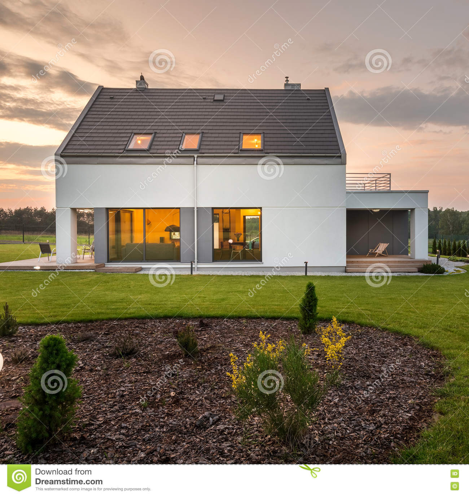 Elegant and modern house with backyard