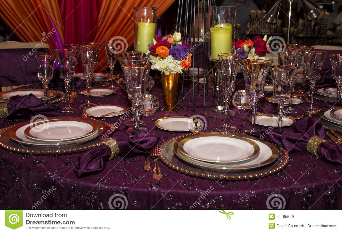 Elegant Modern Table Place Setting Royalty