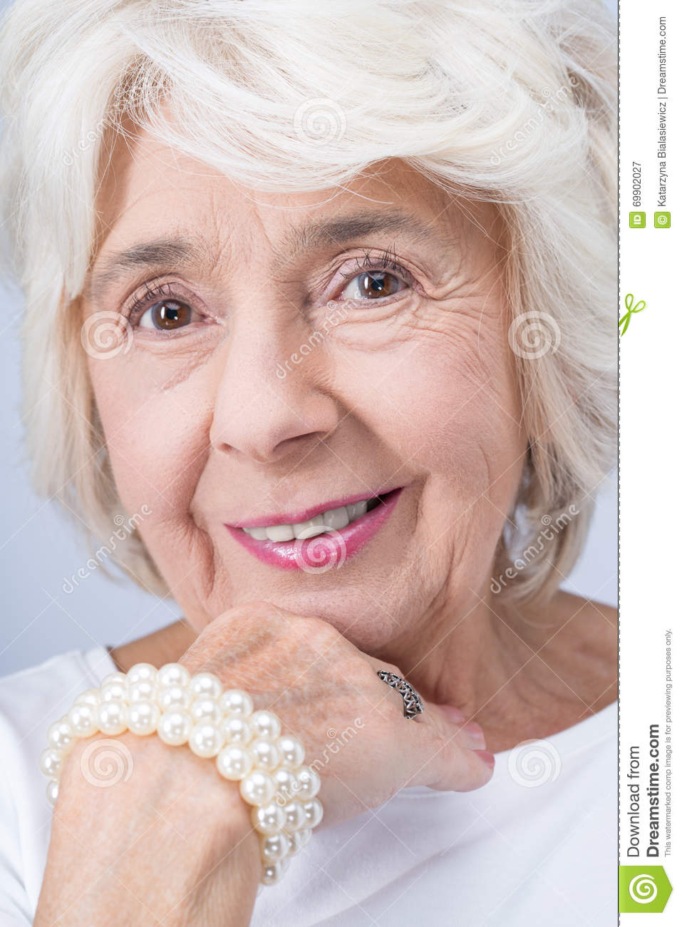 pictures of older women wearing jewelry elegant and proud ...