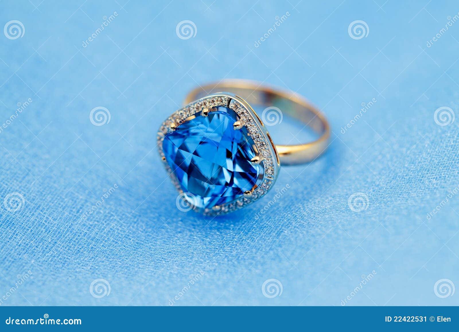 Elegant ring, blue topaz