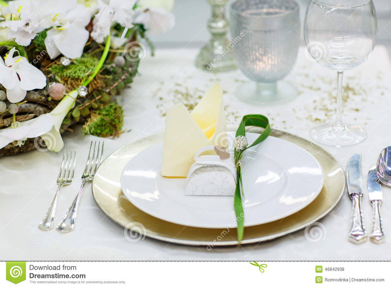 Elegant And Romantic Table Set Decoration For Wedding Or