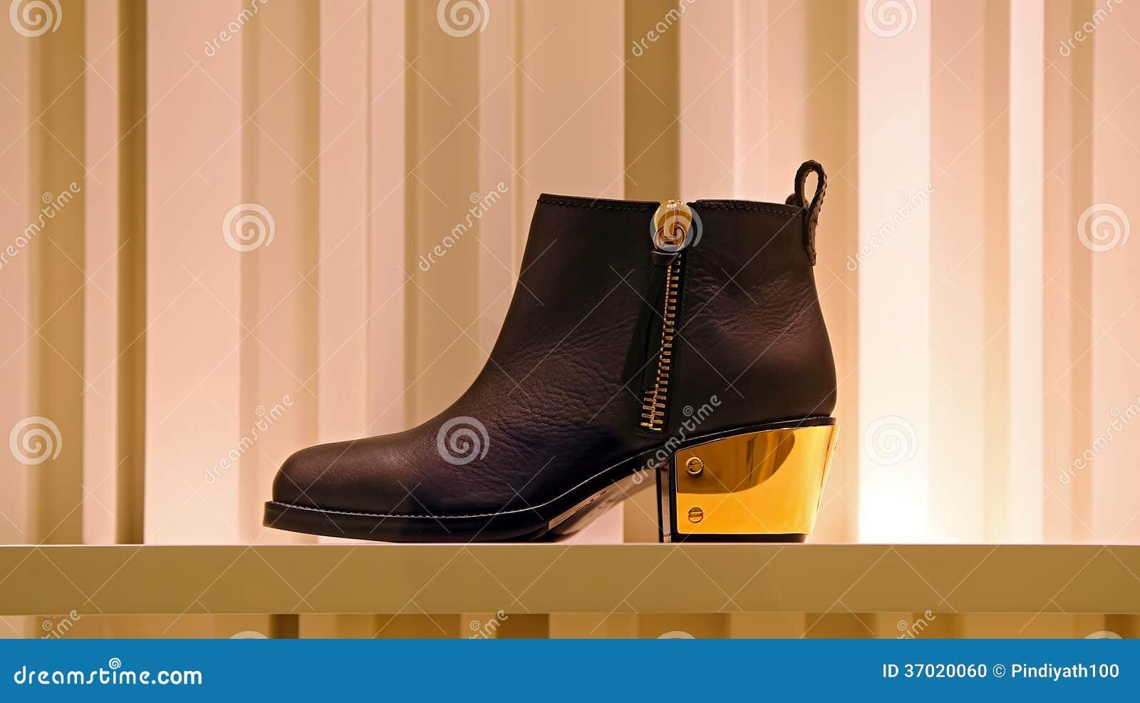 Elegant shoe for ladies