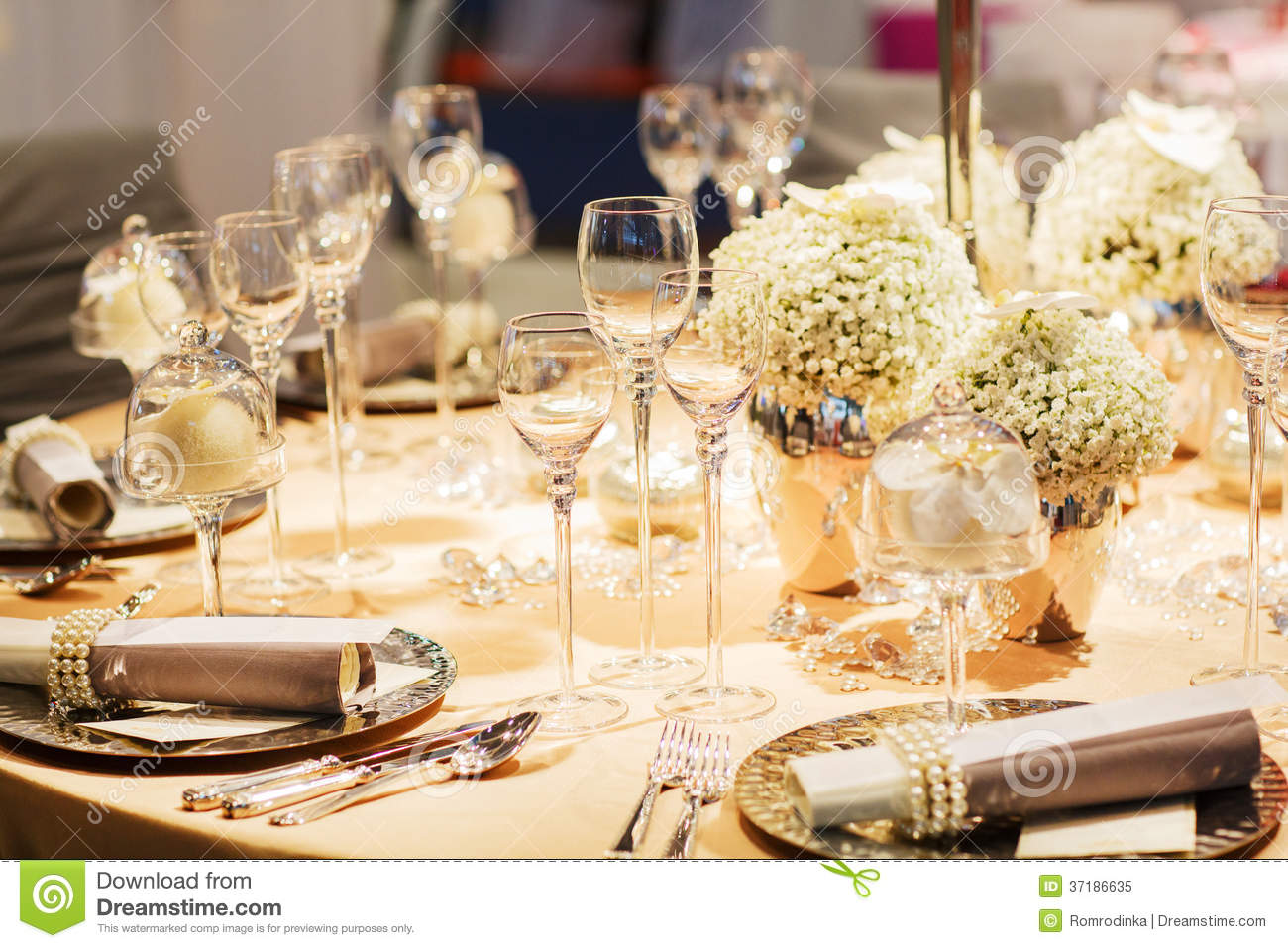 Elegant Table Set In Soft Creme For Wedding Or Event Party