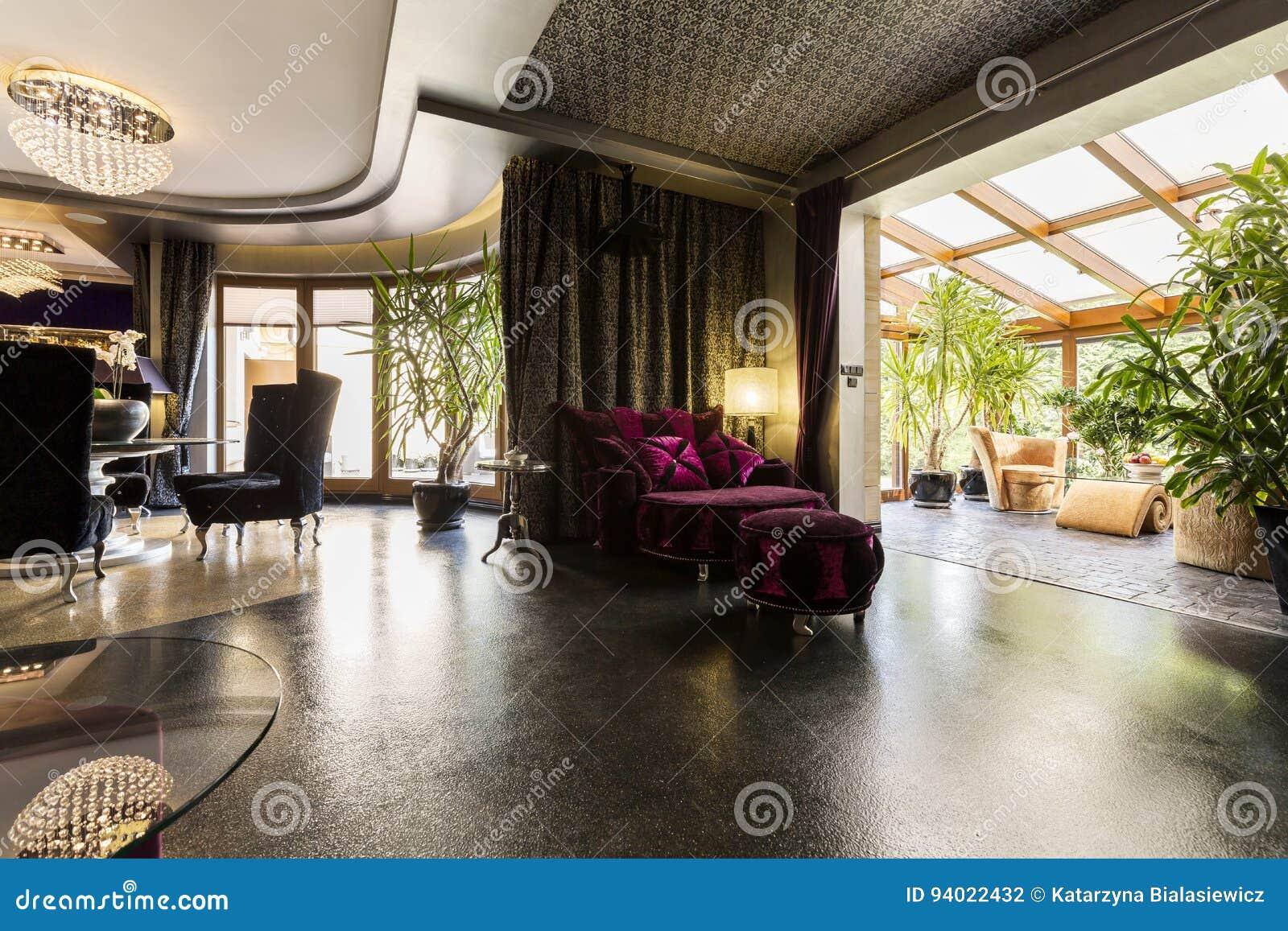 Elegant woonkamerbinnenland met een fonkelende vloer