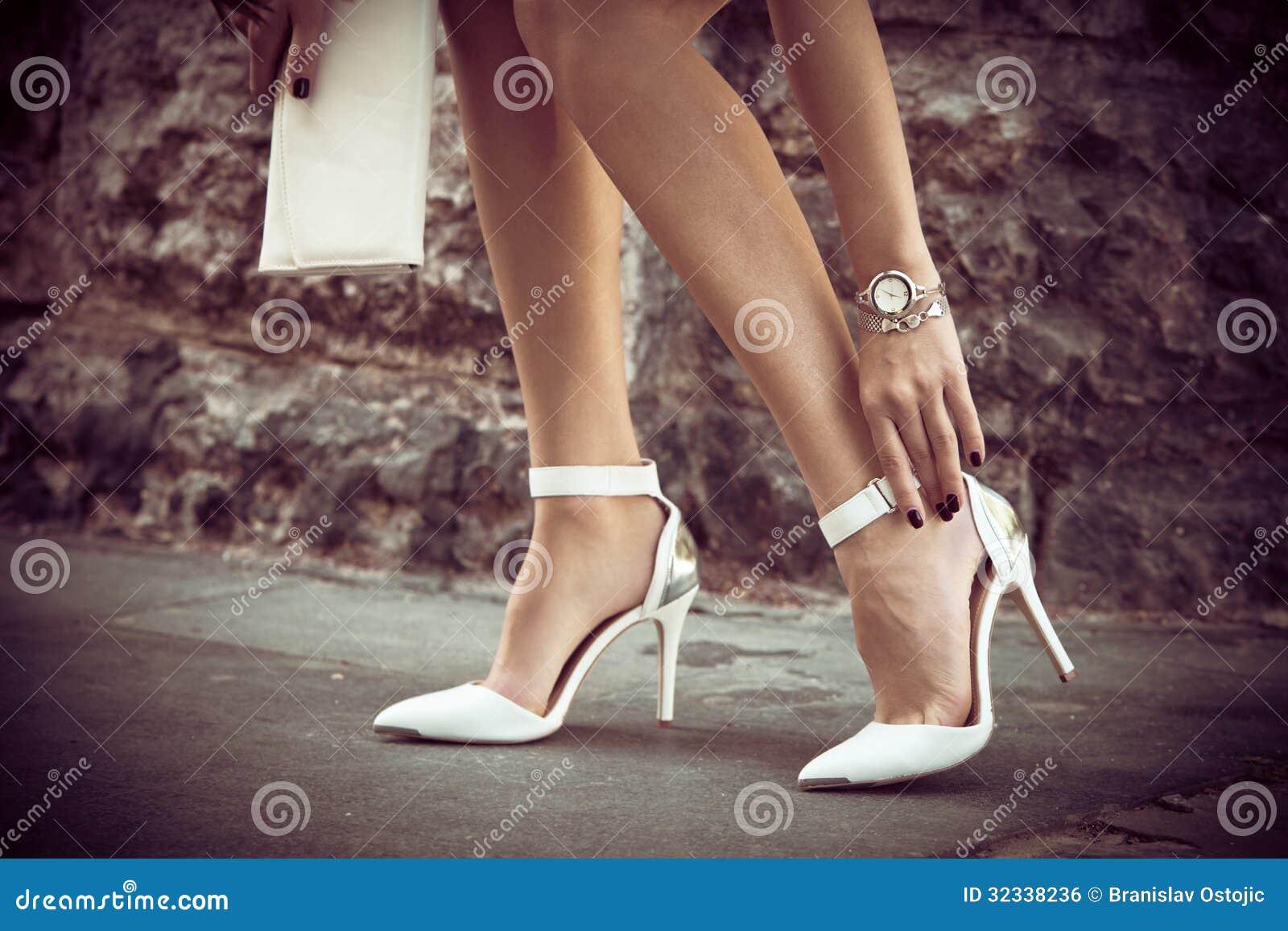 Eleganta skor för hög häl