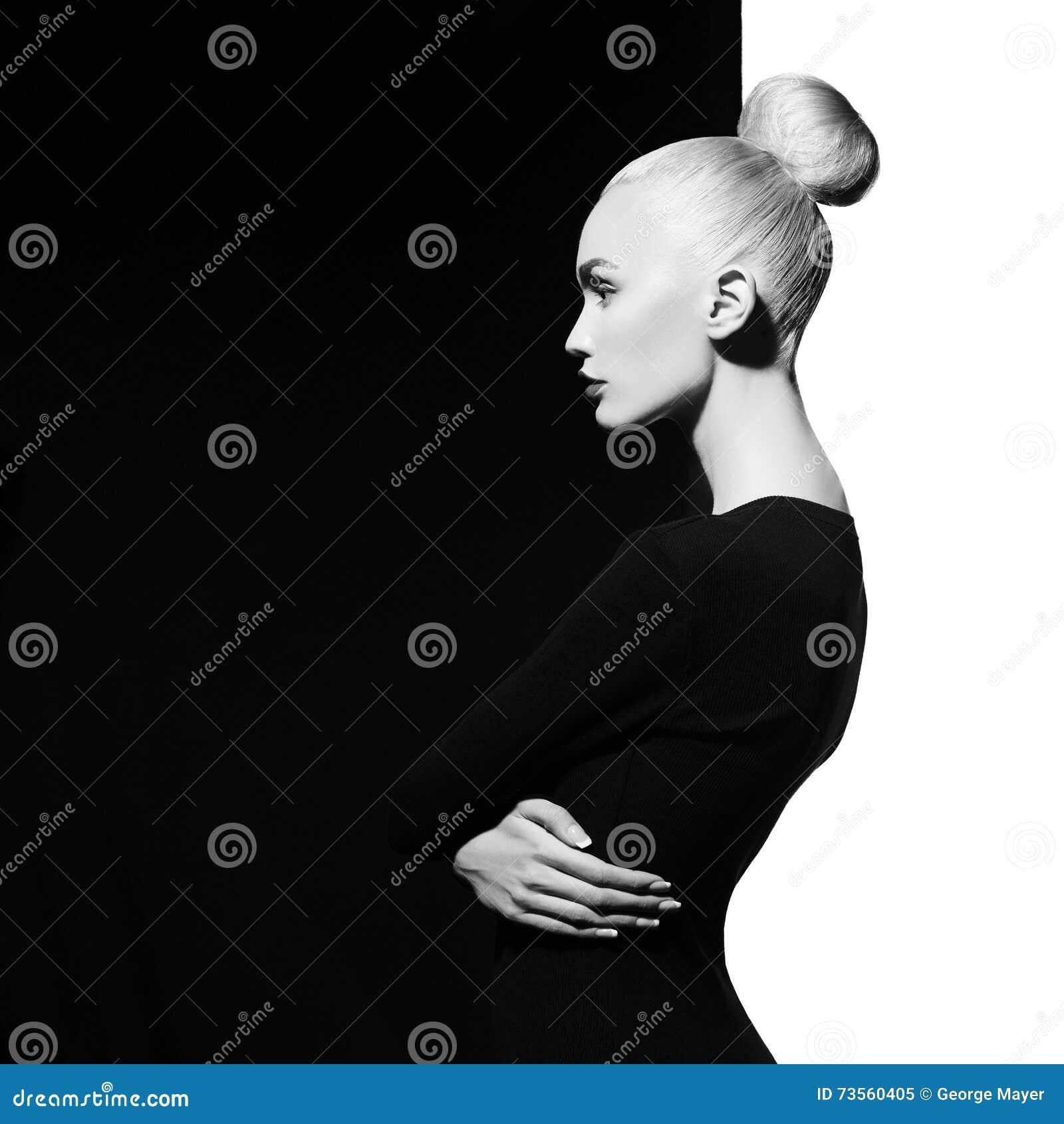 Elegante blode op geometrische zwart-witte achtergrond