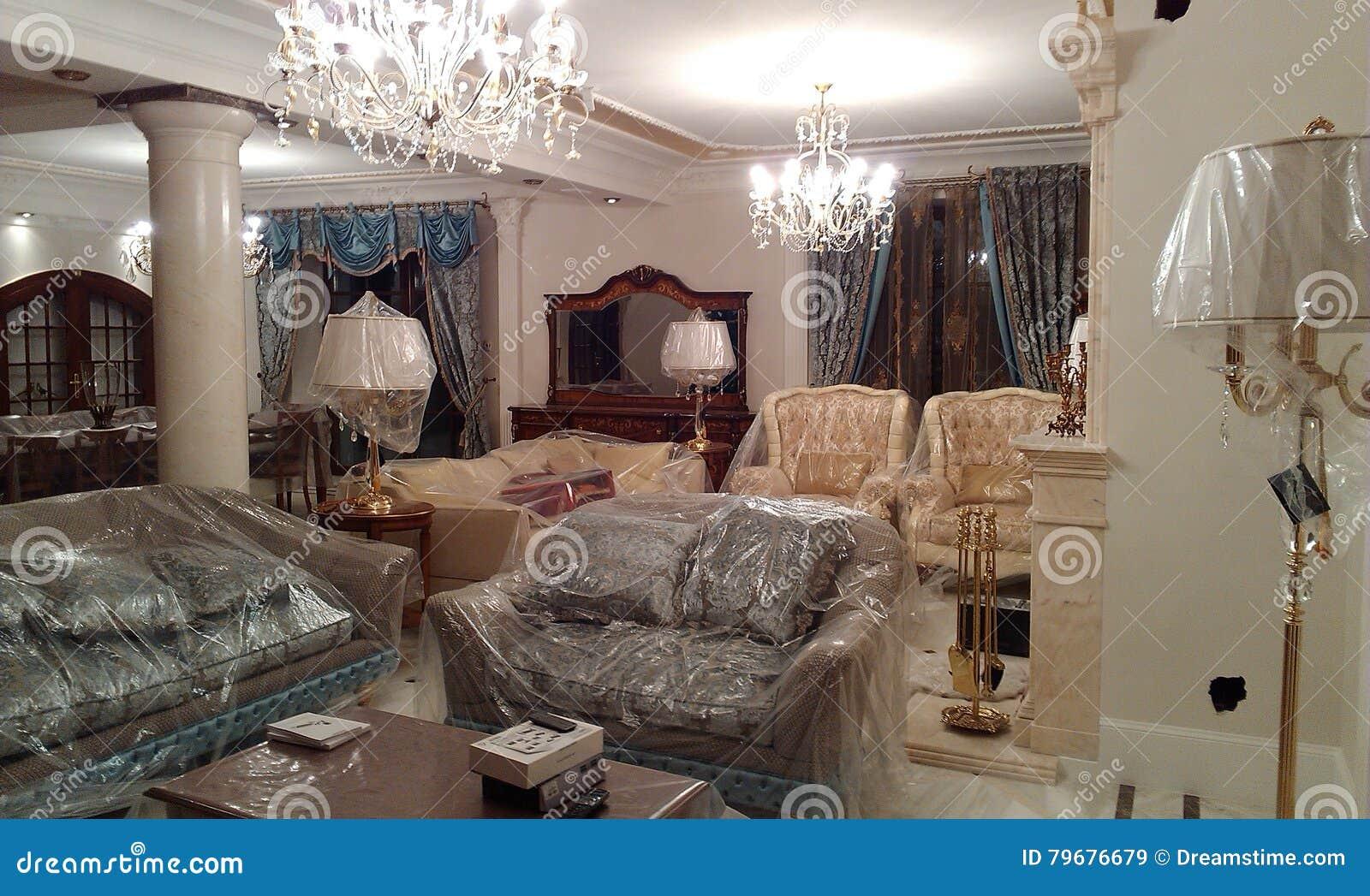 Eleganter Innenraum im Stil des Anfangs des 18. Jahrhunderts
