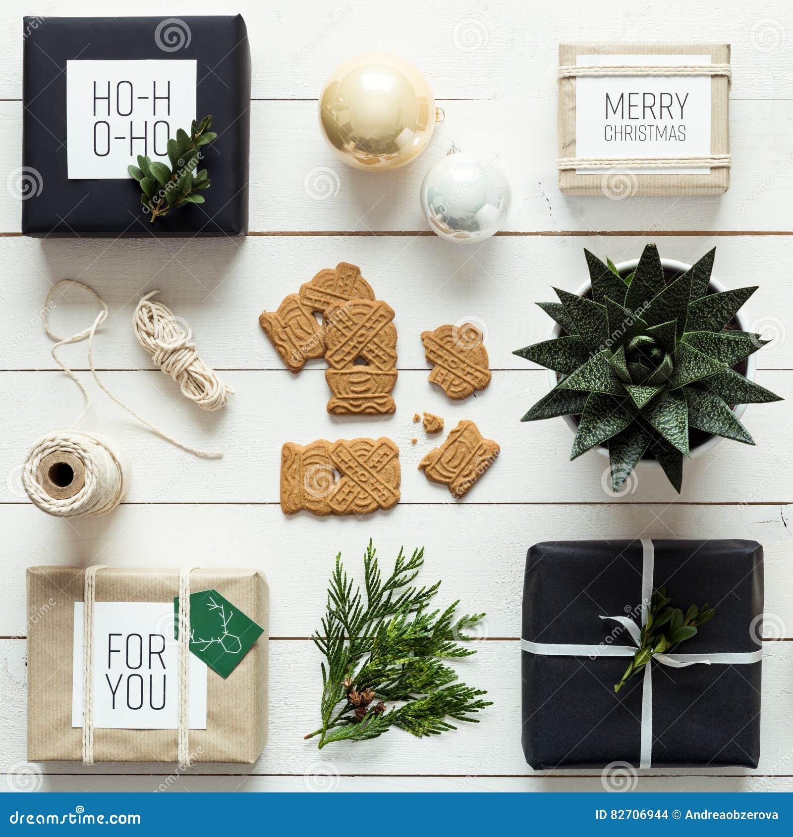 Elegantes Nordisches Retro- Weihnachten, Station Einwickelnd ...