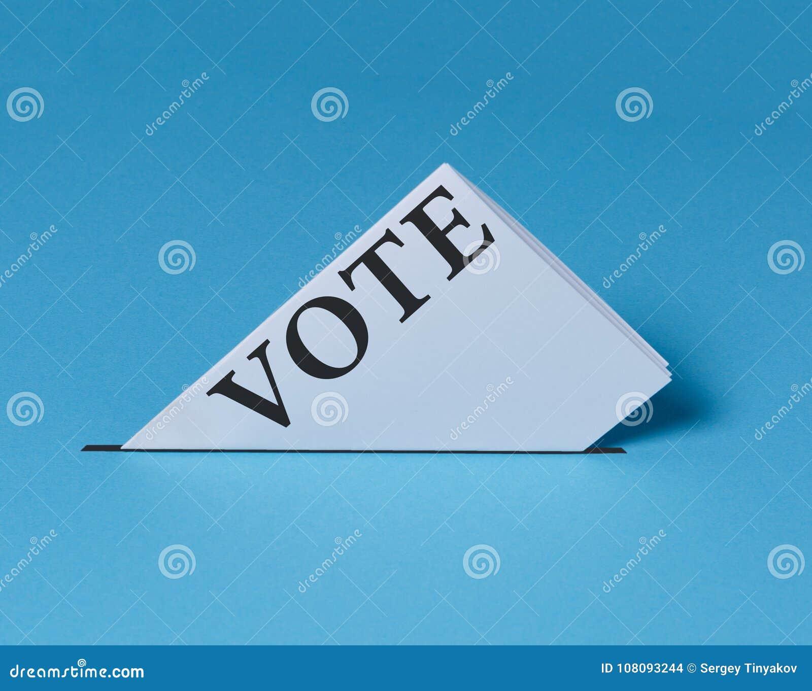 Elektoralny biuletyn Spada W łzawicę Wybory głosowania wolności demokraci niezależności referendum pojęcie
