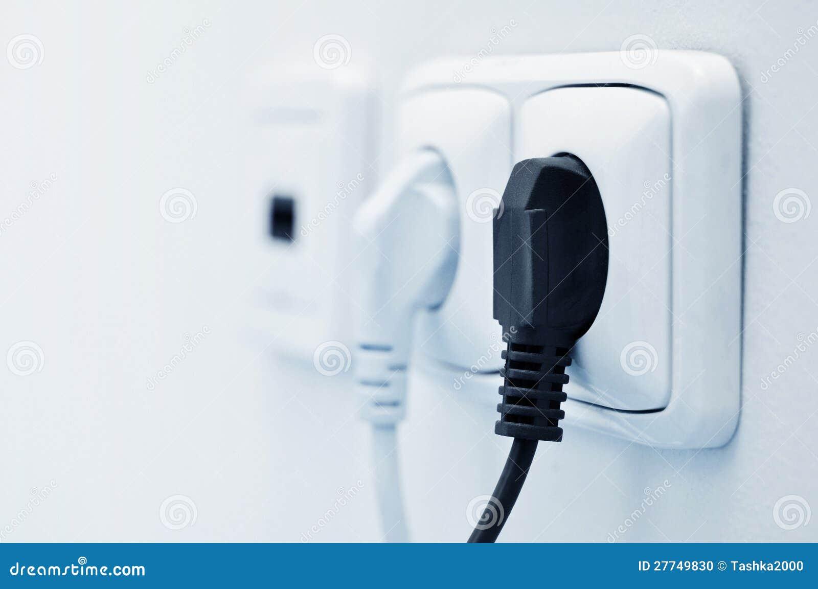 Elektrisch schließen Sie eine Einfaßung an