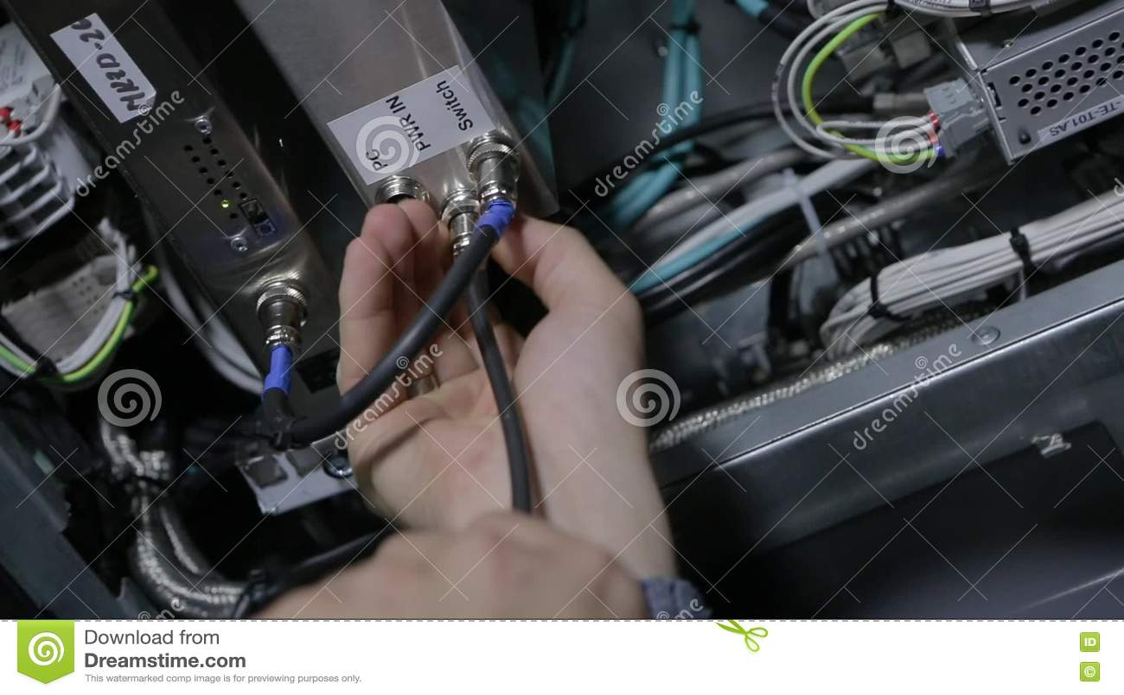 Elektrische Draht-und Kabelverbindung Stock Video - Video von ...