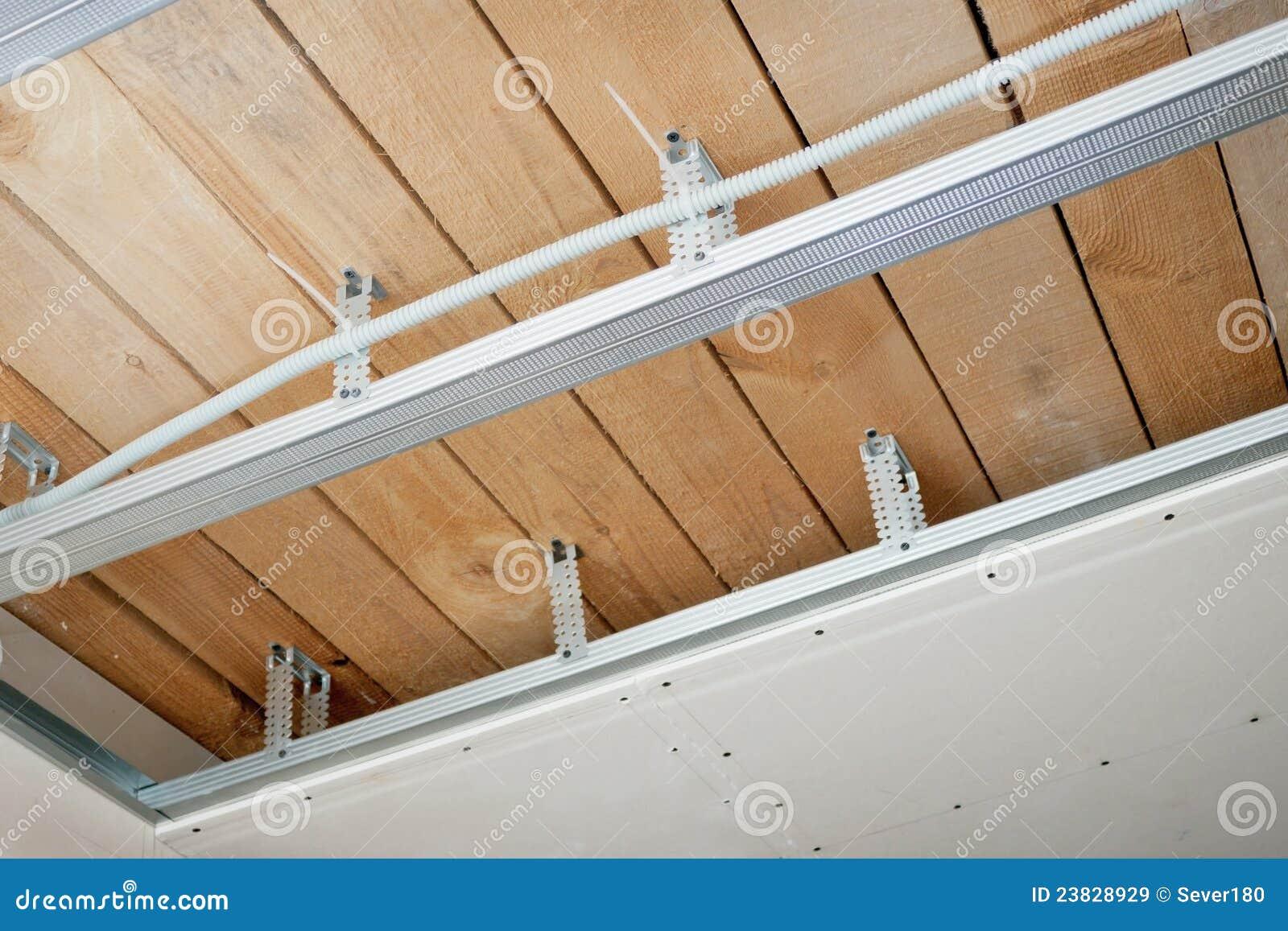 elektrische leitungen installiert in die decke lizenzfreie stockbilder bild 23828929. Black Bedroom Furniture Sets. Home Design Ideas