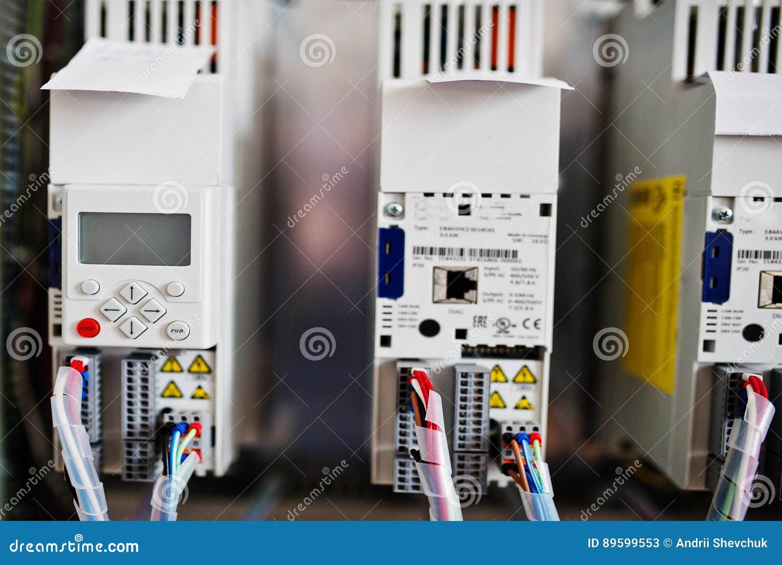 Elektrische Platte, Stromzähler Und Leistungsschalter Elektrisch ...