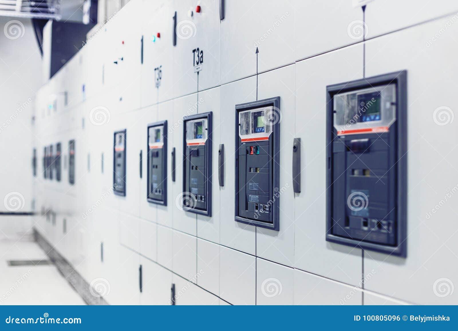 Elektrische Schaltanlage, industrielle elektrische Schalterplatte