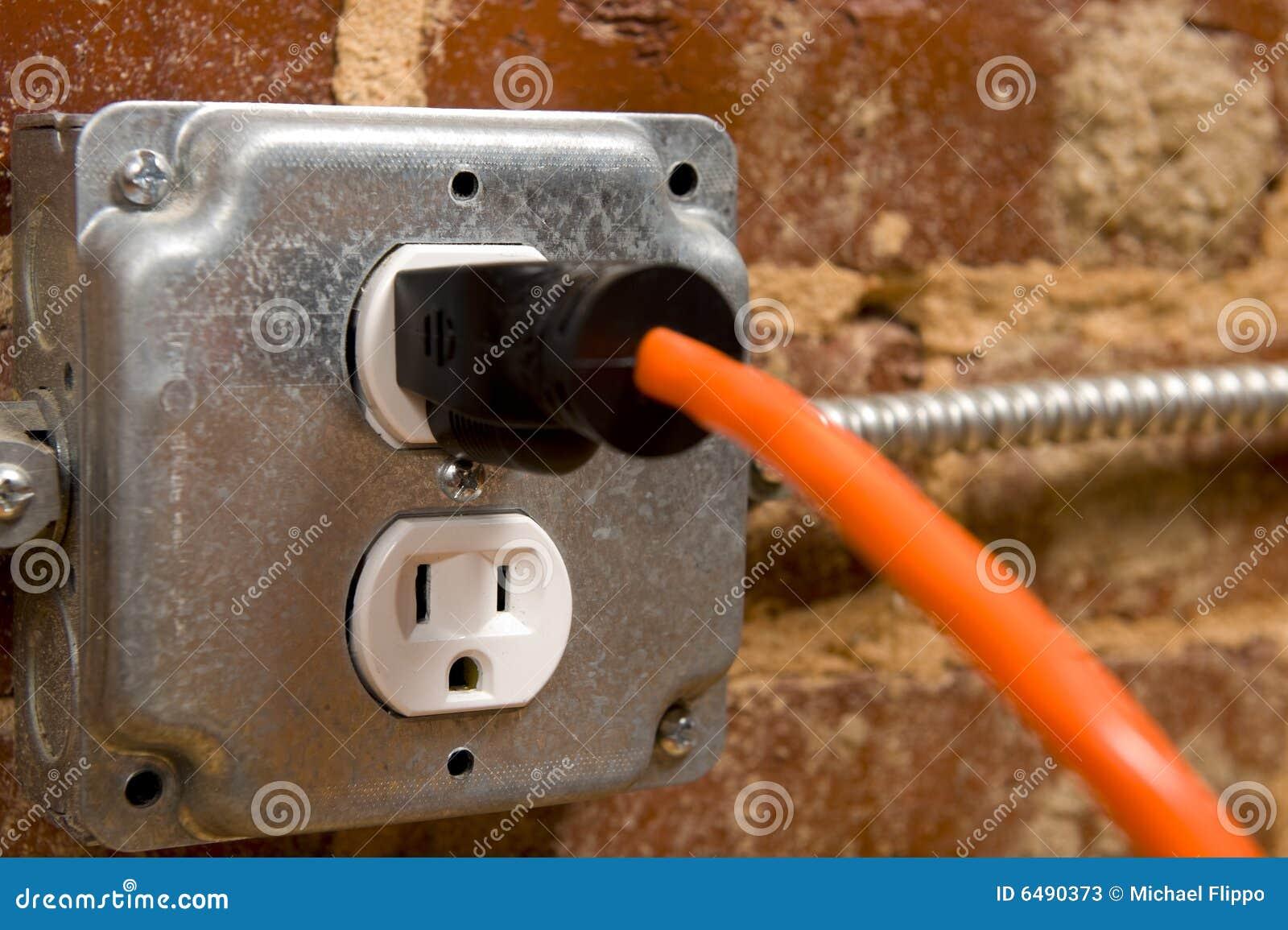 Elektrischer Bolzen stockbild. Bild von zubehör, leistung - 6490373