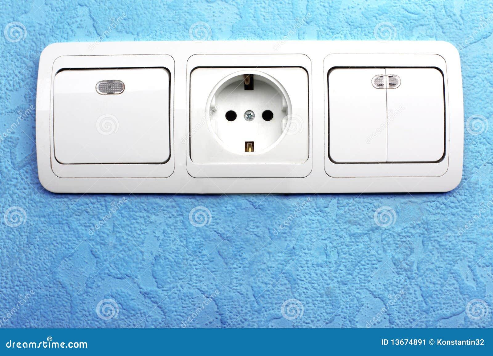 Elektrischer Schalter Und Bolzen Stockbild - Bild von fluß ...