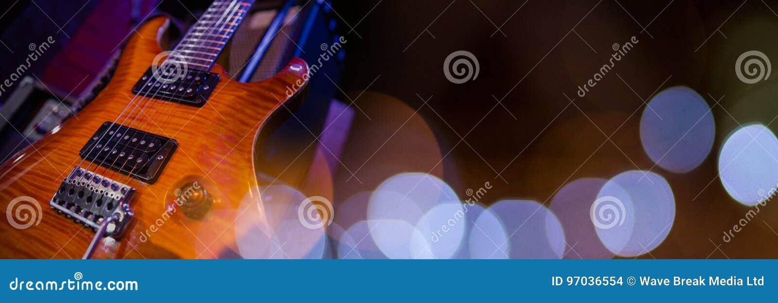 Elektrisk gitarr med blåa ljus