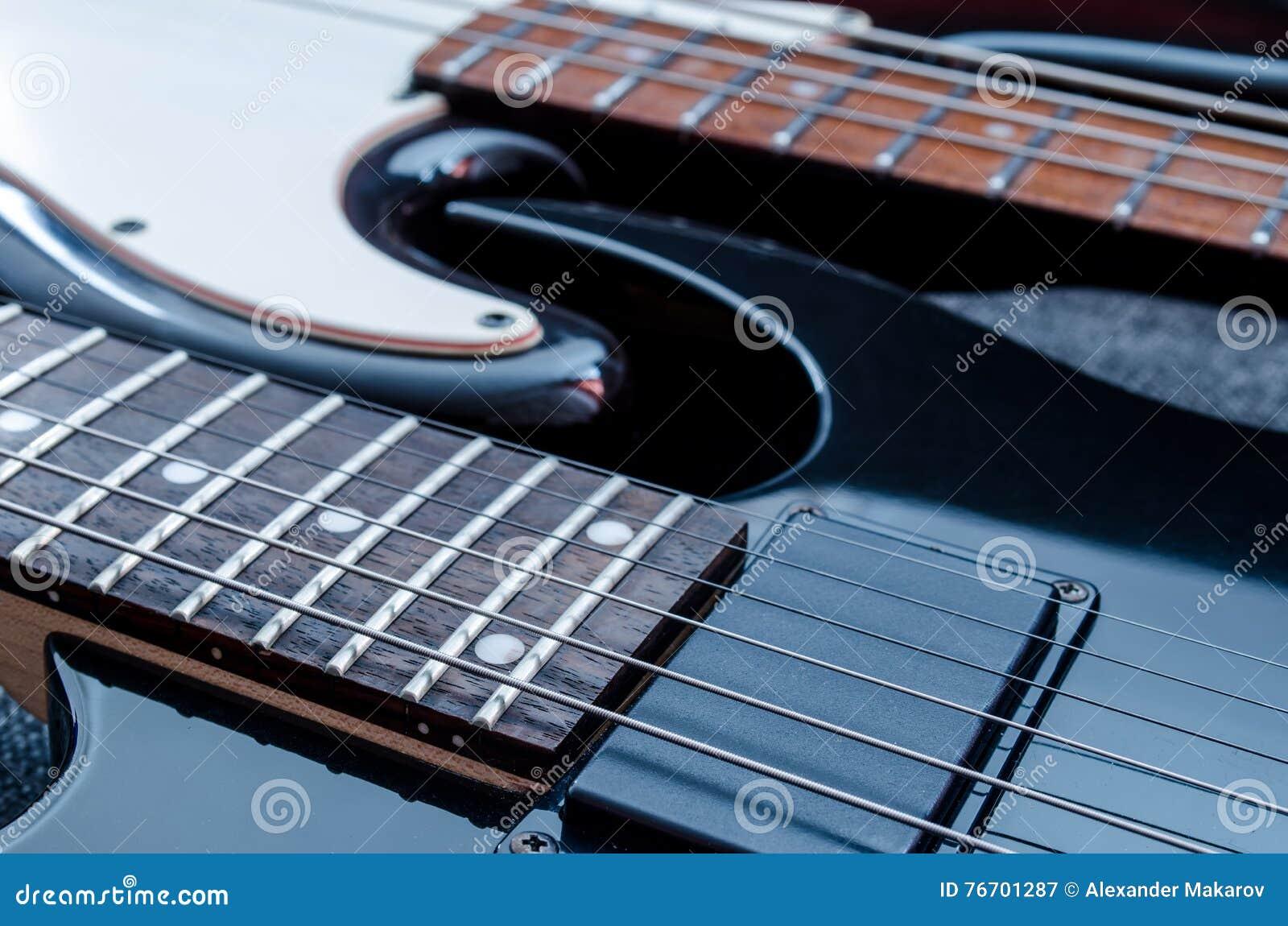 Elektrisk gitarr och elbas