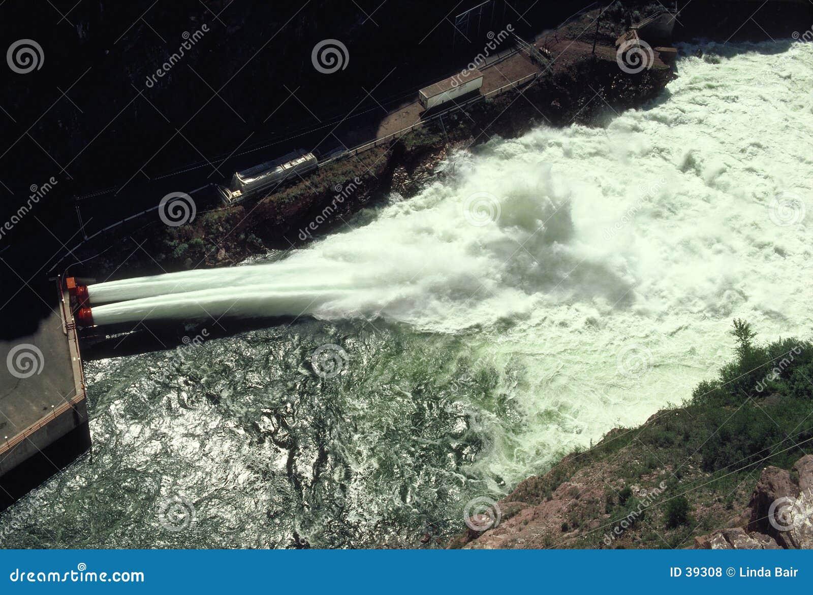 Elektrisk hydrospillway för fördämning