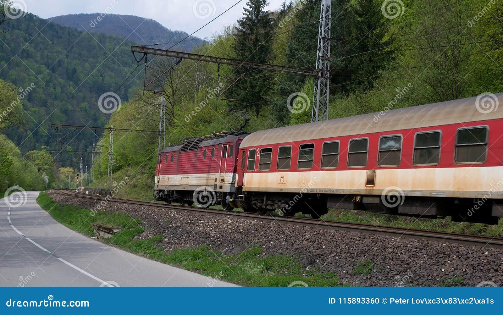 Elektrisk lokomotiv 162 005-3 - slovakiska järnvägar