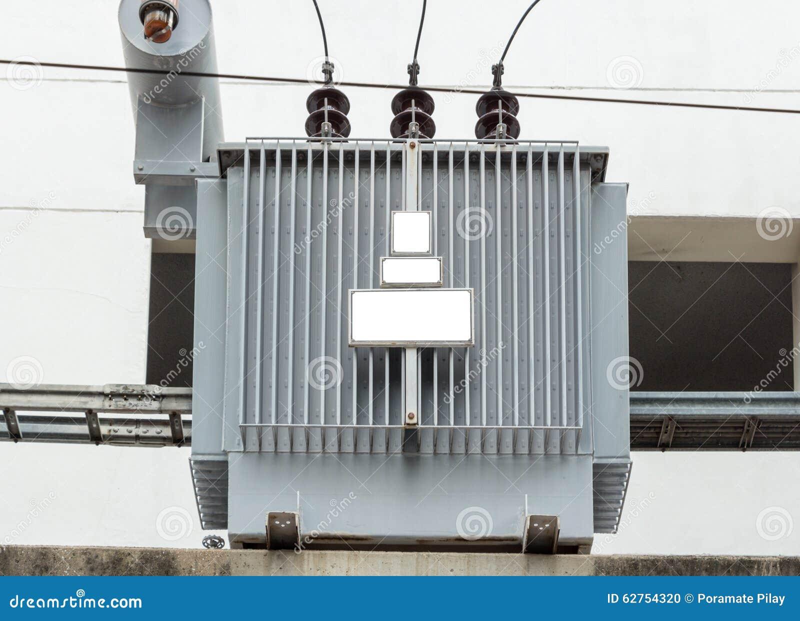 Elektrisk transformator för fördelning