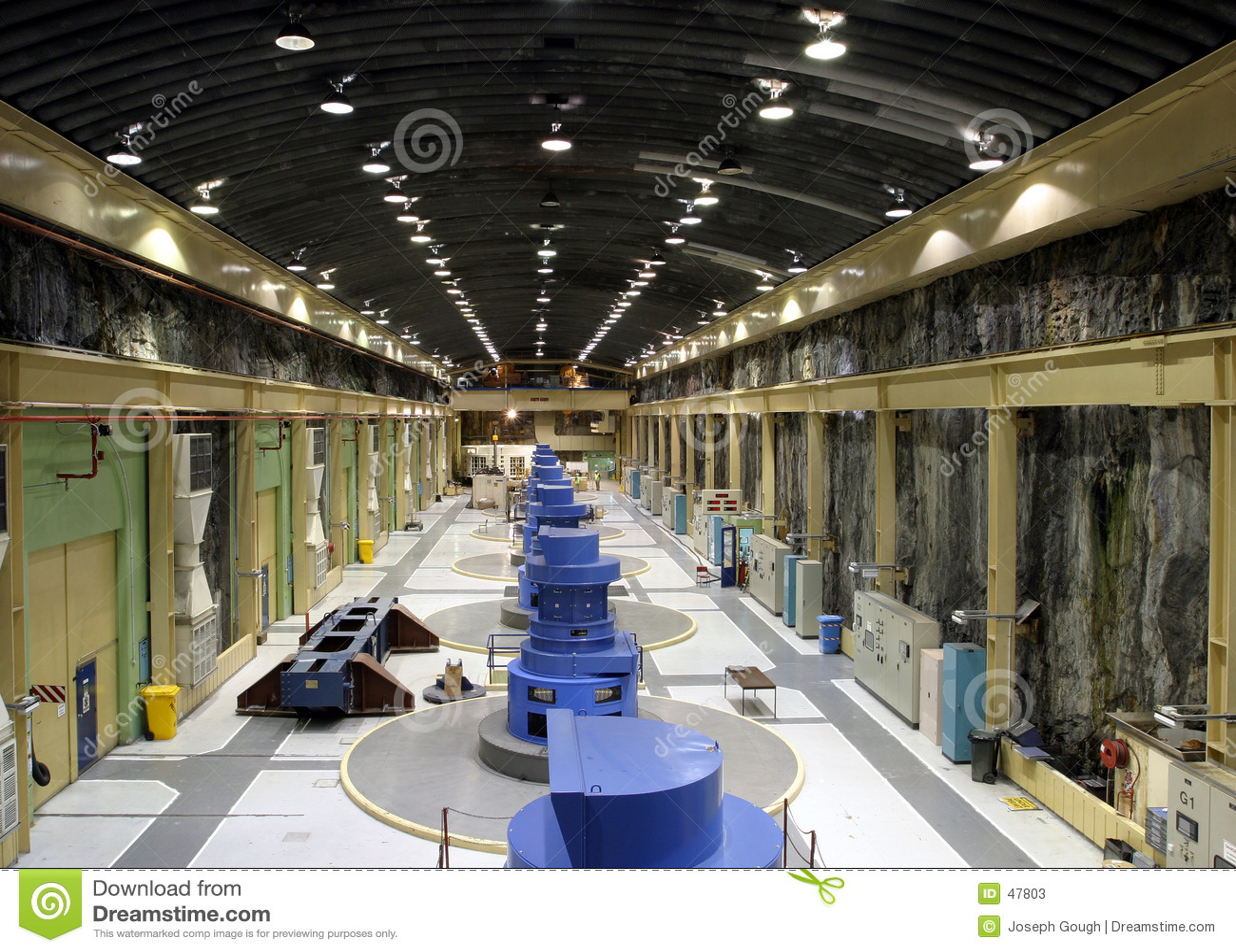 Elektrisk turbin för strömstation