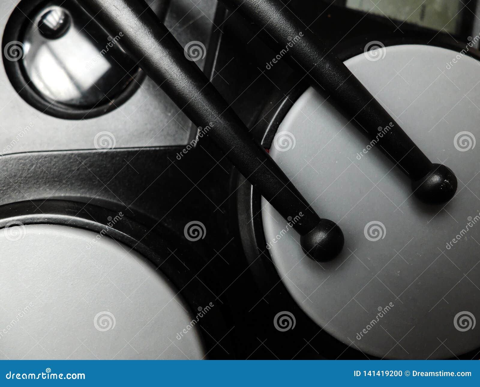 Elektriska valsar med svarta plast- valspinnar Närbild
