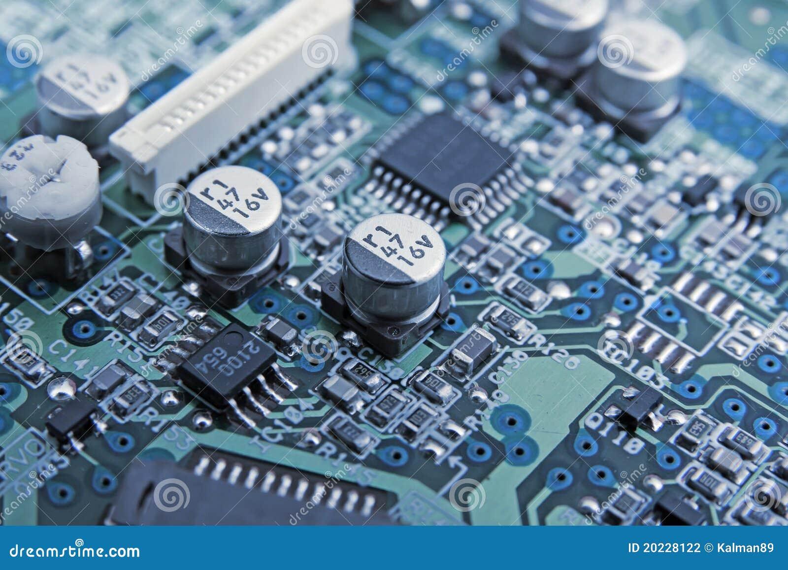 Elektroniczny deskowy obwód